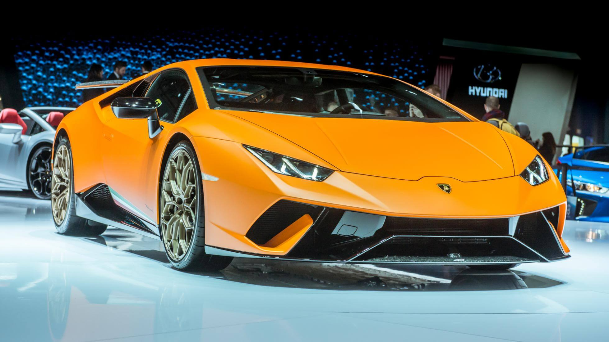 exotic lamborghini huracan performante debuts at geneva. Black Bedroom Furniture Sets. Home Design Ideas